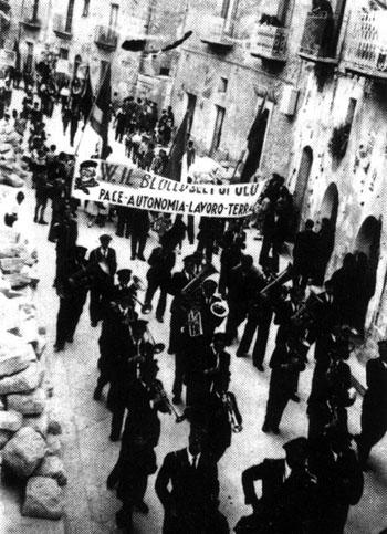 Enna 1947, festeggiamenti per la vittoria del Blocco del Popolo